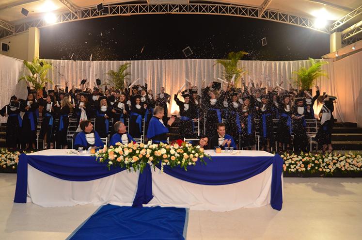 Formatura Administraç u00e3o e Ci u00eancias Contábeis UNIP 2011 SGC Eventos Exclusivos 19 3256 9010 -> Decoração Formatura Pedagogia Simples
